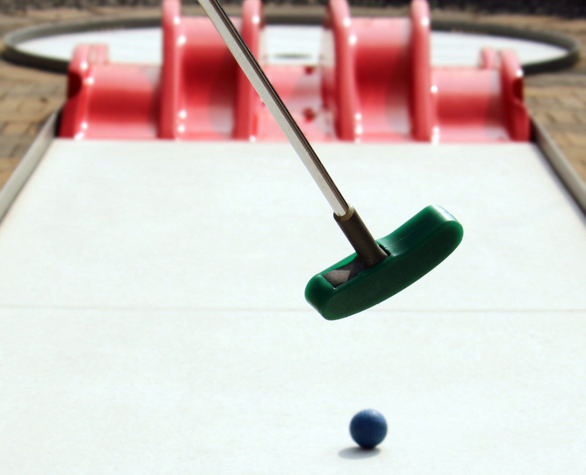 Fun Mini Golf Games to Play on a First Date